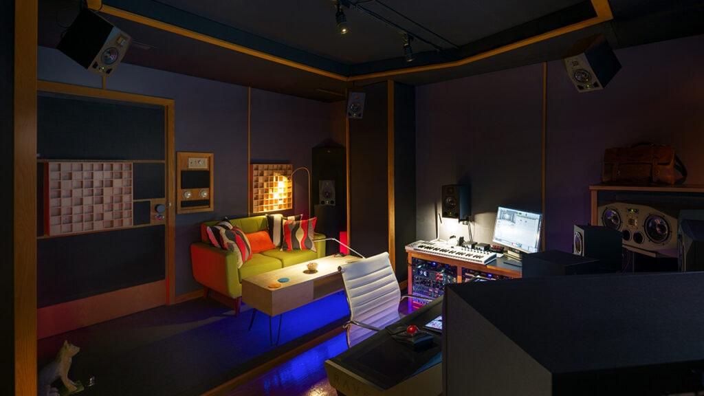All Media Capital Post_0005_Dave Henszey Studio-001